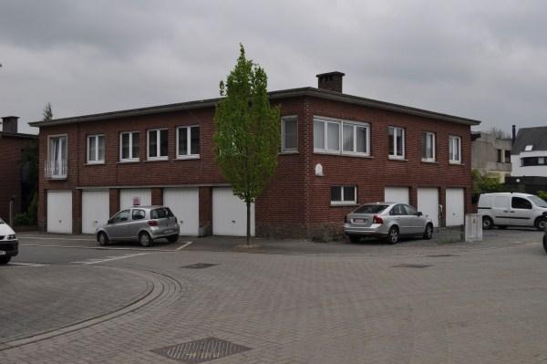 Afsluitbare garage te koop te Denderleeuw